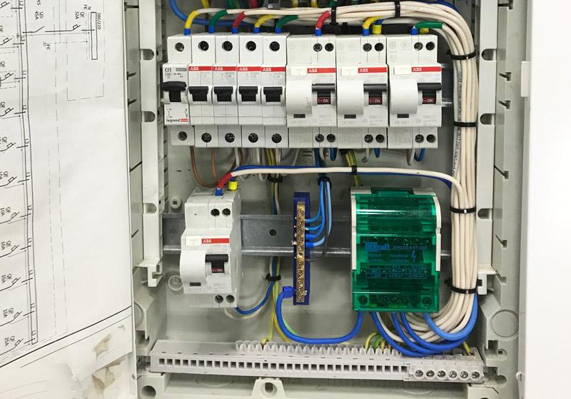 подключение автоматов abb sh серии проводами ПУГВ