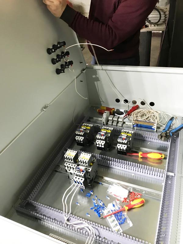 сборка нового электрощита управления