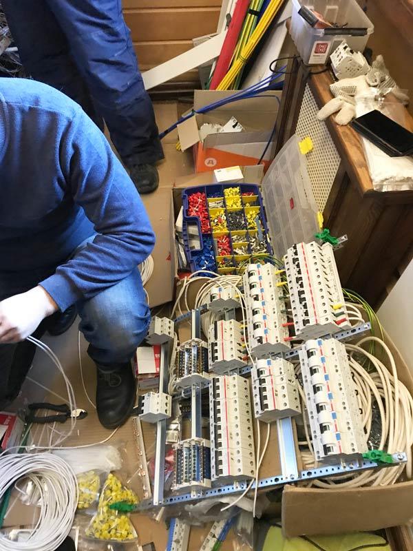 сборка нового электрощита для загородного дома